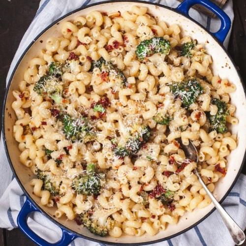 Creamy Broccoli and Sun-dried Tomato Pasta