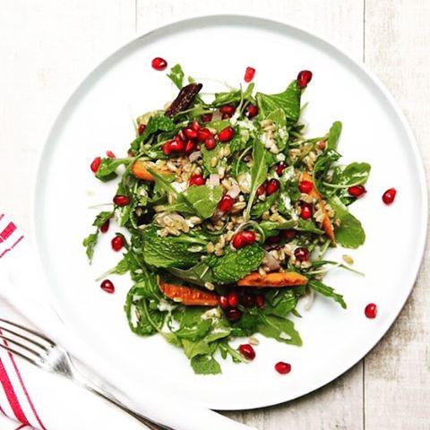 Perfect seasonal salad full of caramelized veggies and autumnal flavors