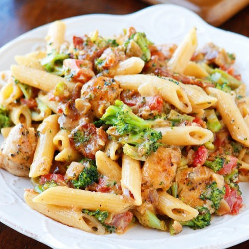 Cheesy Chicken Bacon Broccoli Pasta