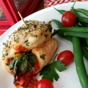 SUN-DRIED TOMATO & ROASTED RED PEPPER CHICKEN ROLL-UPS